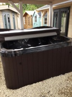 Illusion Hot Tub - Extreme Range